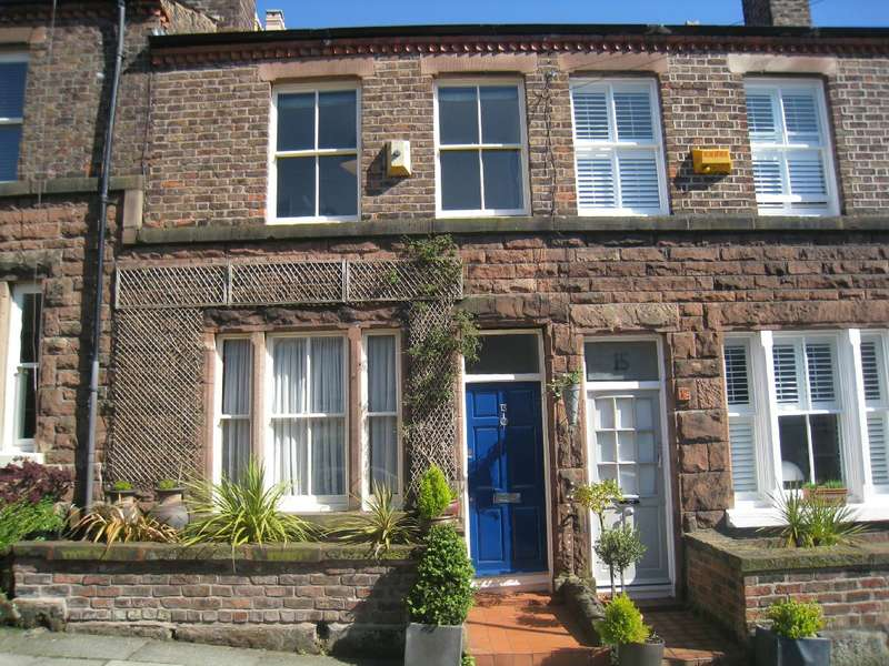 2 Bedrooms Terraced House for sale in Castle Street, Woolton, Liverpool, L25