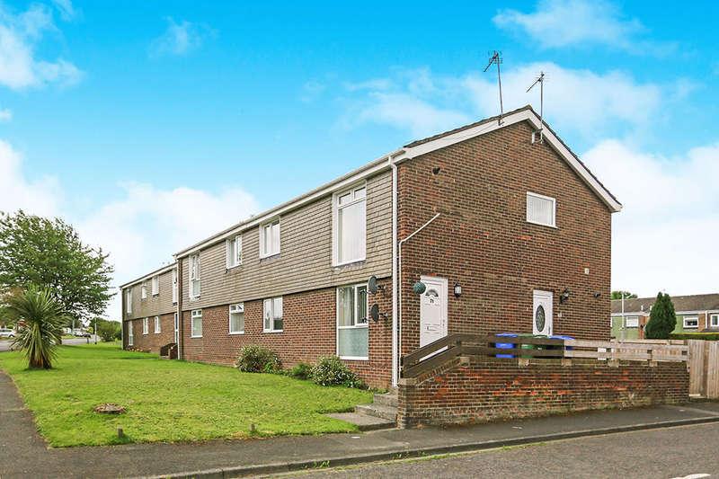 2 Bedrooms Flat for sale in Newlyn Drive, Cramlington, NE23