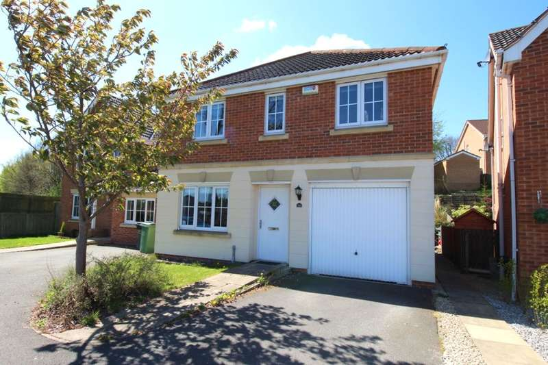 4 Bedrooms Detached House for sale in Bridon Way, Cleckheaton, BD19
