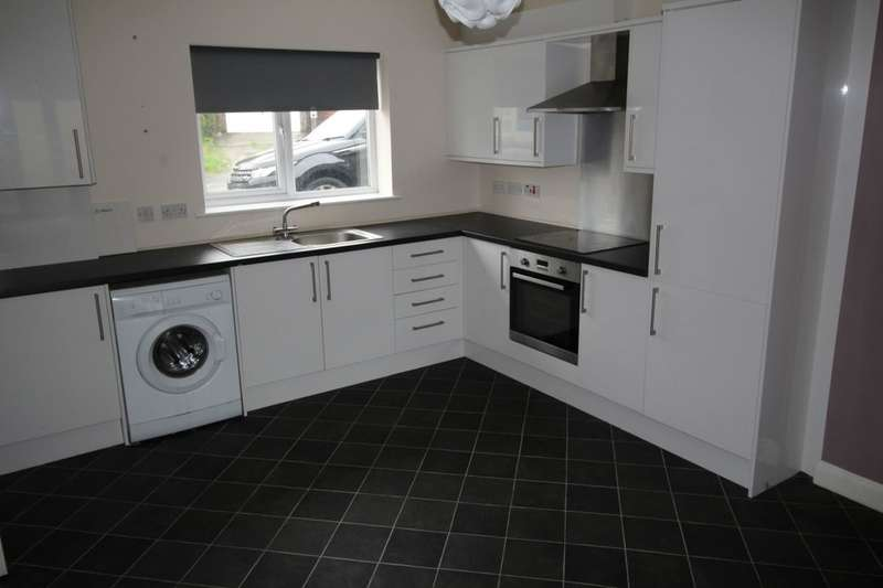 3 Bedrooms Terraced House for sale in Rimington Avenue, Burnley, BB10