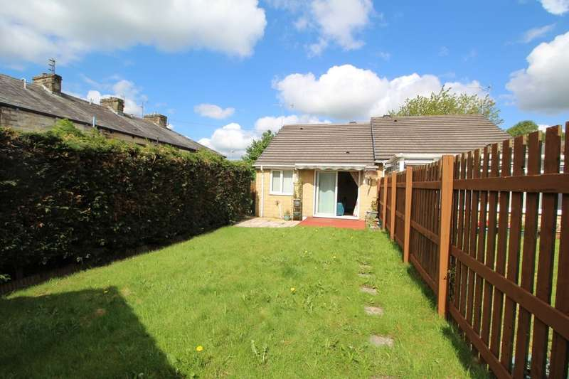 2 Bedrooms Semi Detached Bungalow for sale in Coniston Street, BURNLEY, BB12