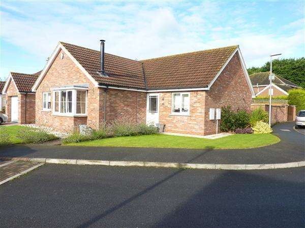 3 Bedrooms Detached Bungalow for sale in PERMAIN CLOSE, SCARTHO, GRIMSBY