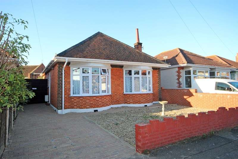 2 Bedrooms Bungalow for sale in Harting Road, Southbourne, Bournemouth
