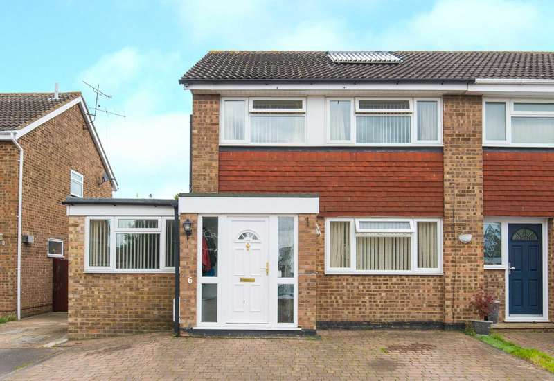 3 Bedrooms Semi Detached House for sale in Haven Shaw Close, Aylesbury
