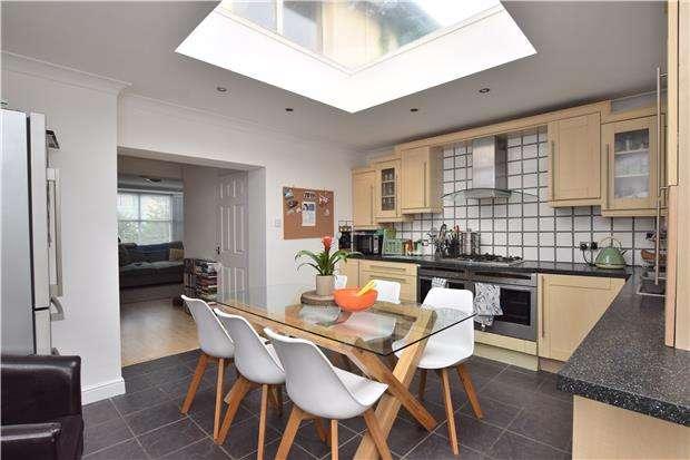 3 Bedrooms Terraced House for sale in Cornwallis Road, Oxford, OX4 3NN