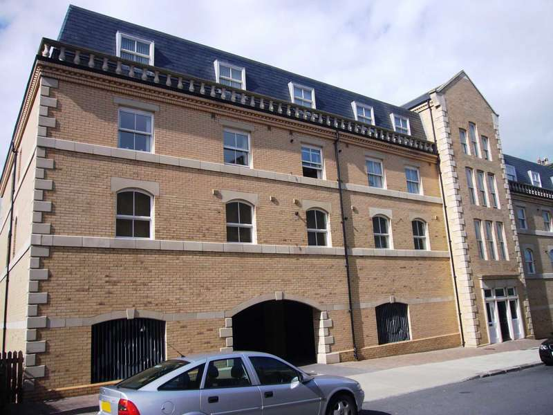 2 Bedrooms Apartment Flat for sale in Zetland Court, Saltburn By The Sea