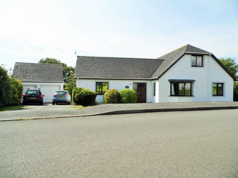 5 Bedrooms Bungalow for sale in Southgate Park Spittal, Haverfordwest, Pembrokeshire, SA62
