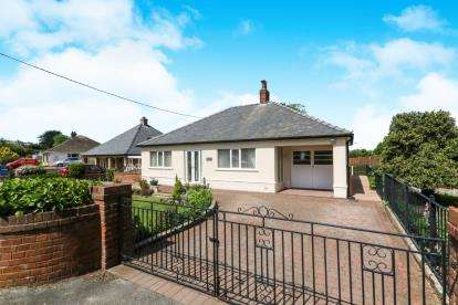 4 Bedrooms Bungalow for sale in Minffordd Road, Llanddulas, Abergele, Conwy, LL22