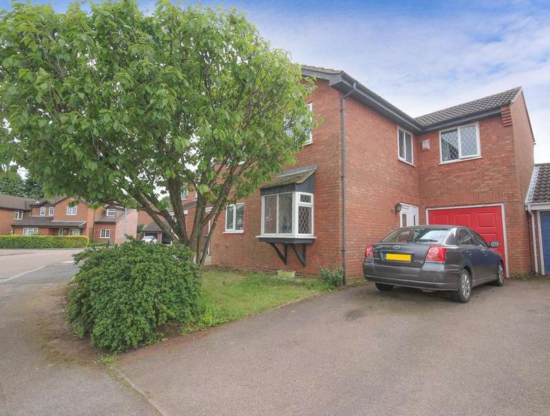 4 Bedrooms Link Detached House for sale in Thames Close, Flitwick, MK45