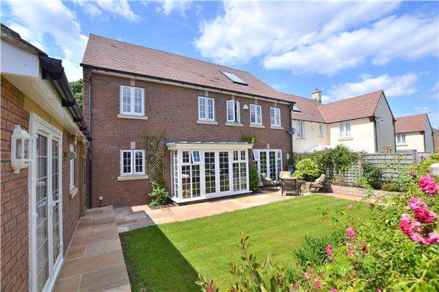5 Bedrooms Detached House for sale in Oak View, Hardwicke, GLOUCESTER, GL2 4AT