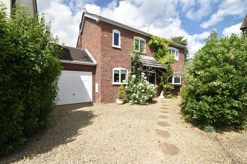4 Bedrooms Detached House for sale in The Oaklands, Droitwich