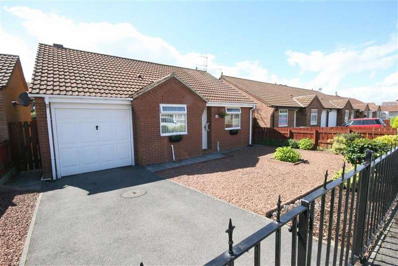 2 Bedrooms Detached Bungalow for sale in Beadnell Gardens, Shiremoor, Tyne And Wear, NE27