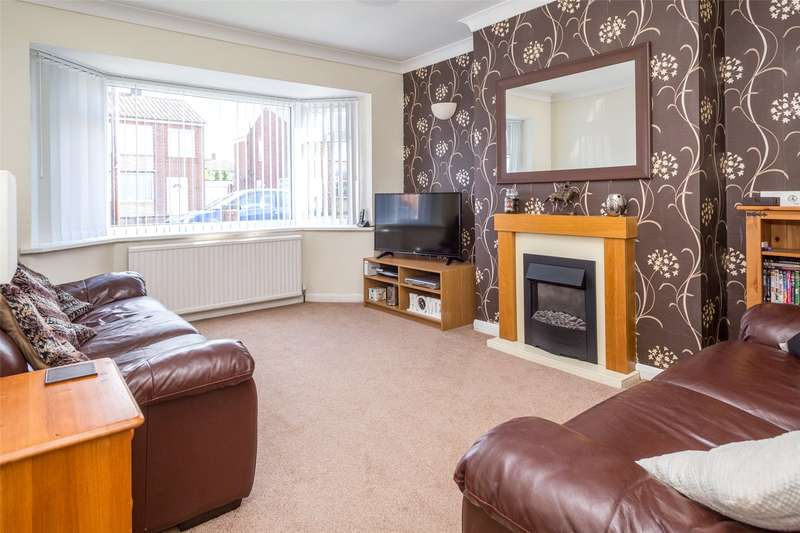 2 Bedrooms Semi Detached Bungalow for sale in Whitethorn Close, York, YO31