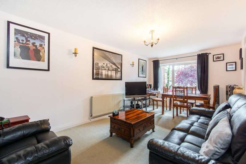 2 Bedrooms Flat for sale in Relko Gardens, Sutton, SM1