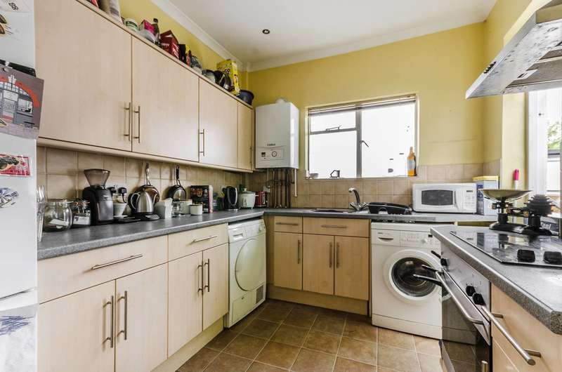 3 Bedrooms Flat for sale in Norwood Road, Tulse Hill, SE24