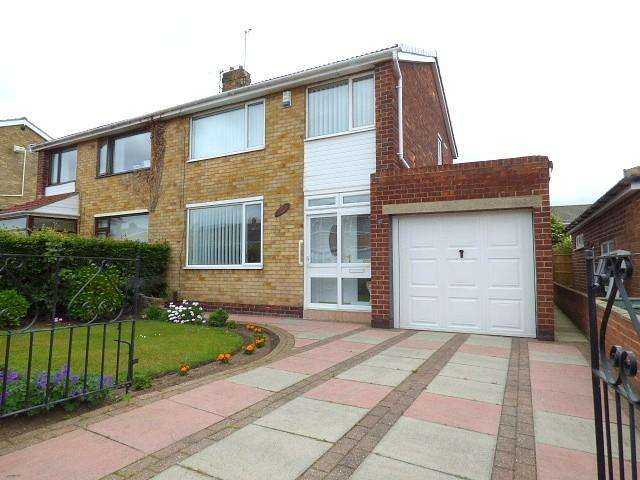 3 Bedrooms Semi Detached House for sale in Clements Rise, Norton, TS20
