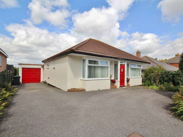 3 Bedrooms Detached Bungalow for sale in St Marys Road, Heckford Park, POOLE, Dorset