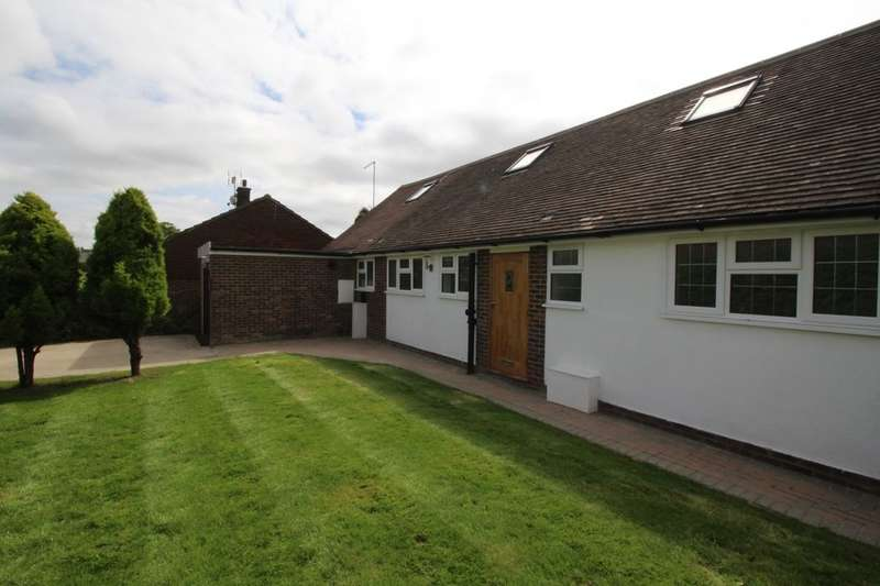 4 Bedrooms Detached House for rent in Mark Cross, Crowborough, TN6