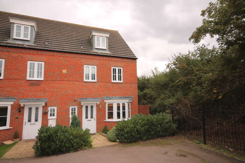 4 Bedrooms Semi Detached House for sale in Ashmead Road, Woodlands Park, Bedford, MK41