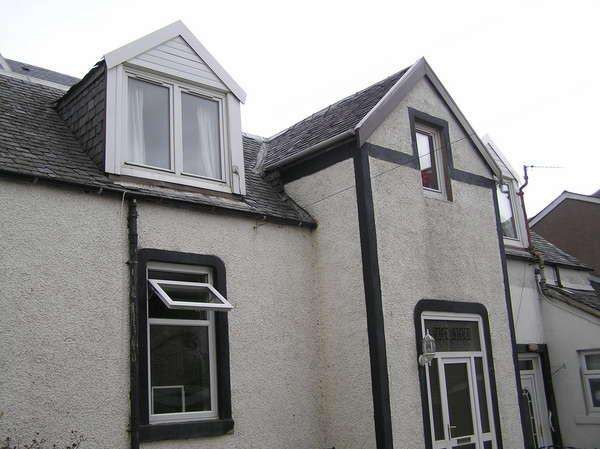 2 Bedrooms Flat for sale in 12A Ritchie Street, Millport, Isle of Cumbrae, KA28 0AL