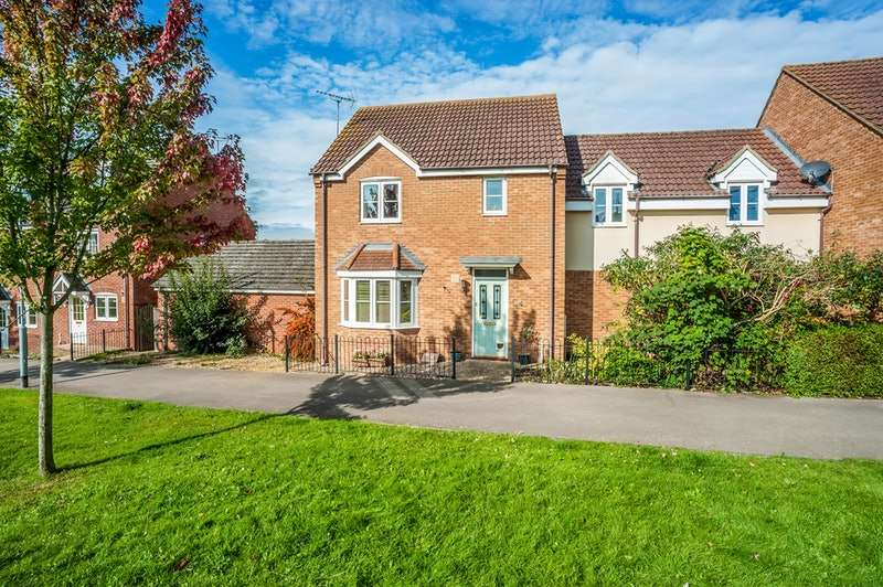 4 Bedrooms Link Detached House for sale in Coppertree Walk, Thrapston, Northamptonshire, NN14