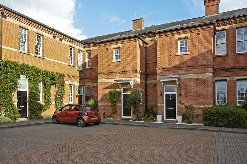2 Bedrooms Terraced House for sale in Hunter Court, Sandy Mead, Epsom, Surrey, KT19