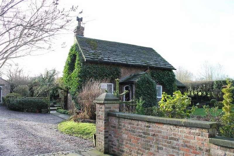 3 Bedrooms Detached House for sale in School Lane, Over Alderley