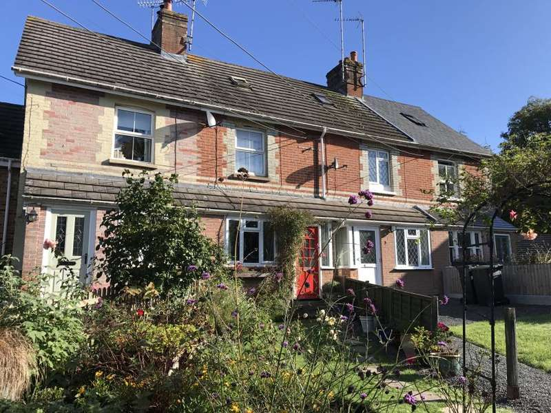 3 Bedrooms Terraced House for sale in WIMBORNE