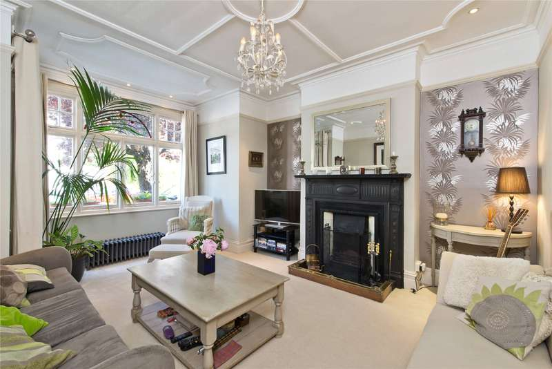 4 Bedrooms Terraced House for sale in Strathmore Road, Southfields, London, SW19