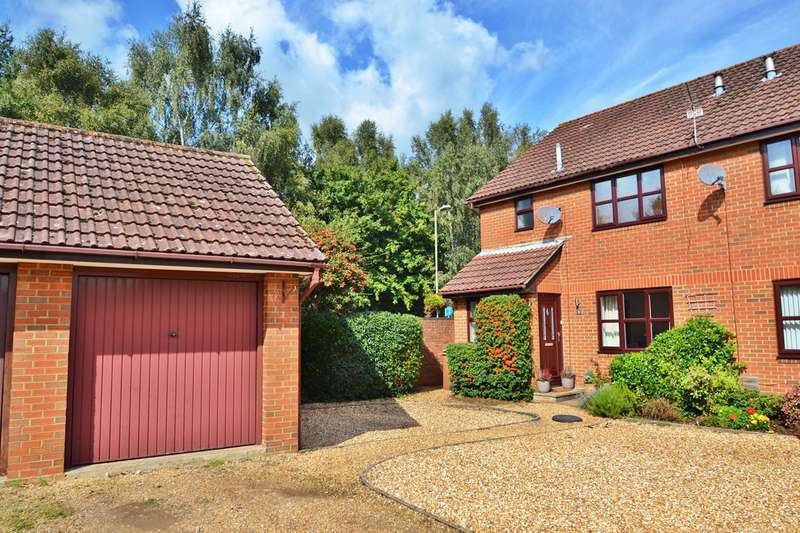 3 Bedrooms Semi Detached House for sale in Valley Park