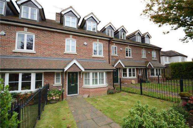 4 Bedrooms Terraced House for sale in Beavers Road, Farnham, Surrey