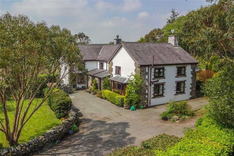 5 Bedrooms Detached House for sale in Cerrigydrudion, Corwen