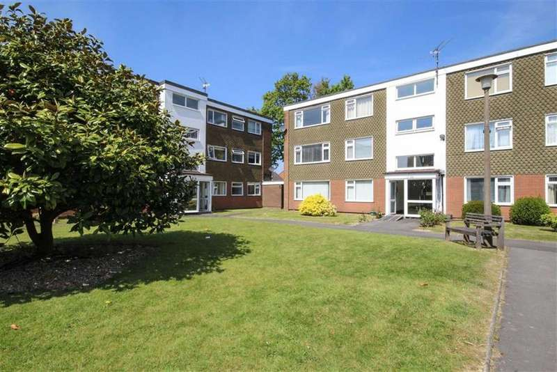2 Bedrooms Flat for sale in Clos Treoda, Cardiff
