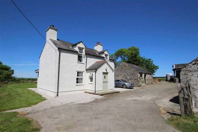 3 Bedrooms Detached House for sale in Penmynydd, Llanfairpwll, Anglesey, LL61
