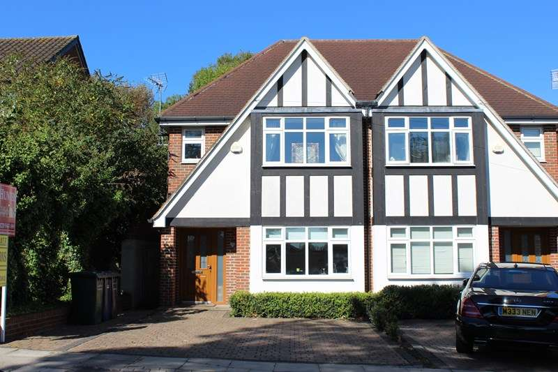 5 Bedrooms Semi Detached House for sale in Prospect Road, Barnet