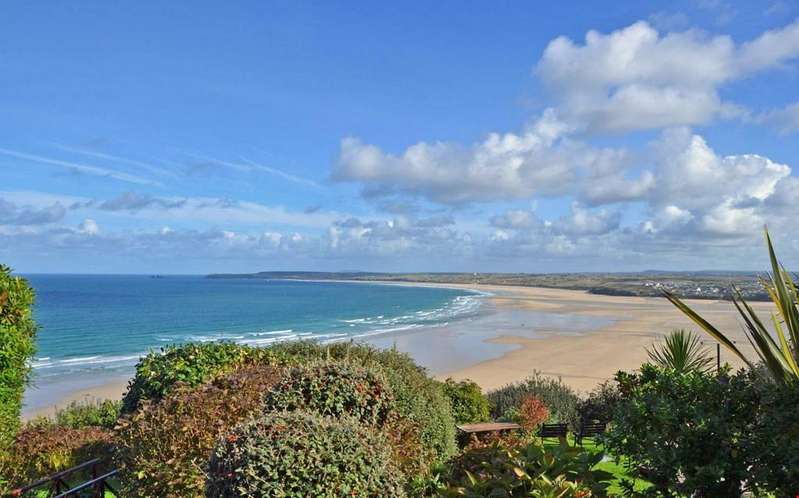 1 Bedroom Ground Flat for sale in Carbis Bay, Nr.St Ives, Cornwall, TR26