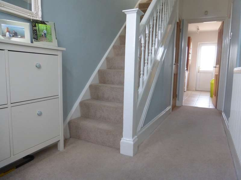 3 Bedrooms Semi Detached House for sale in Ty Mawr Avenue, Rumney, Cardiff