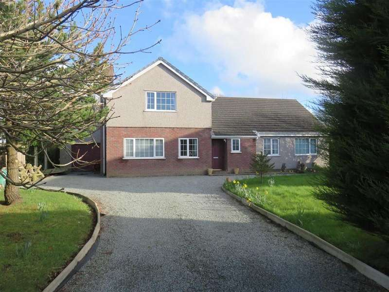 5 Bedrooms Detached House for sale in Pentrefelin, Amlwch, Isle Of Anglesey