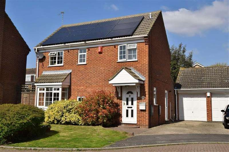 4 Bedrooms Detached House for sale in Dawson Drive, BR8