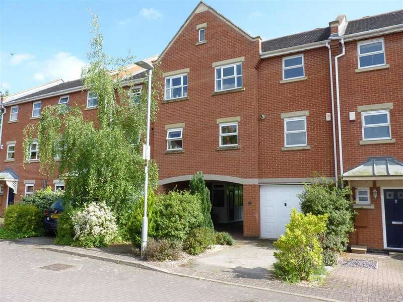 2 Bedrooms Town House for sale in Yeomanry Court, Market Harborough