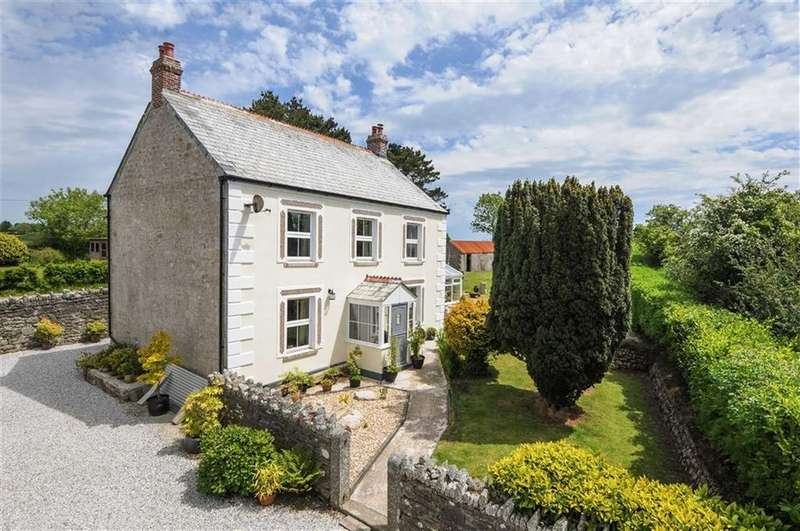 4 Bedrooms Detached House for sale in Menadew, St Austell, Cornwall, PL26