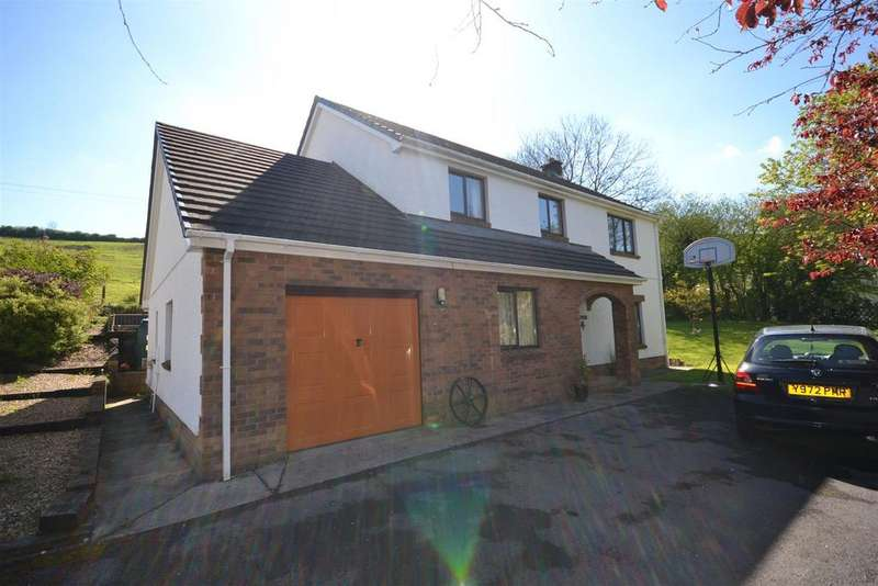 4 Bedrooms Detached House for sale in Bronwydd Arms, Carmarthen
