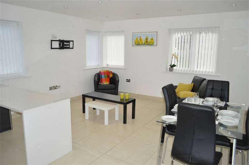 2 Bedrooms Flat for sale in 'The Rembrandt', Broadway House, Broadway, Hornsea