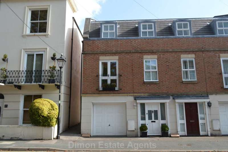 2 Bedrooms End Of Terrace House for sale in Queens Road, Gosport