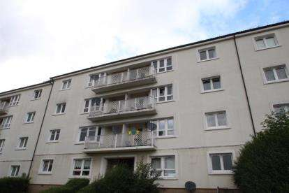 2 Bedrooms Flat for sale in Crowlin Crescent, Cranhill, Glasgow