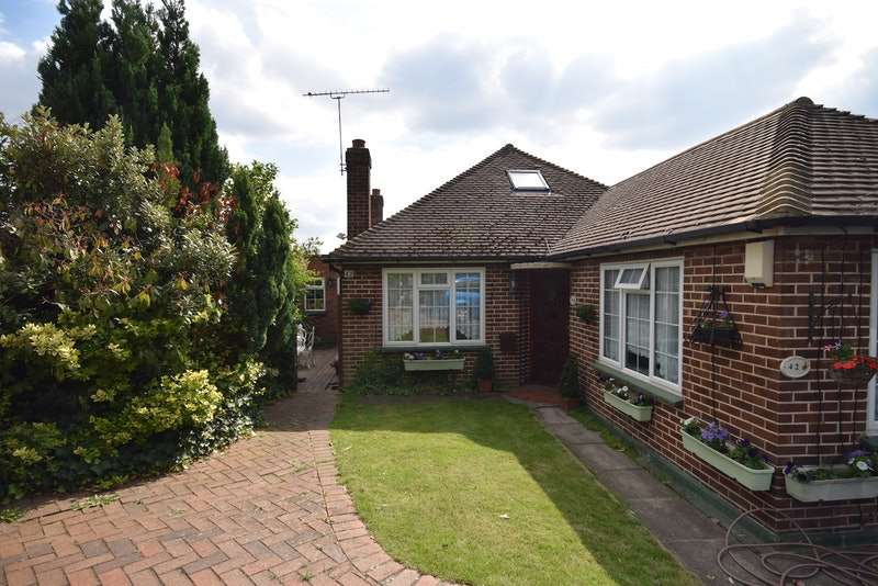 4 Bedrooms Detached House for sale in 42 Highlands Road, Orpington, Kent, BR5