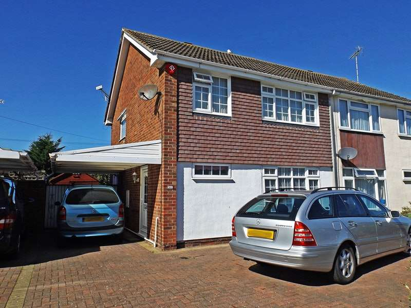 4 Bedrooms Semi Detached House for sale in Dedham avenue, Clacton On Sea, Essex, CO16