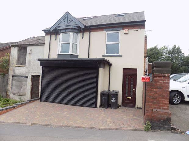 Shop Commercial for rent in Buffery Road, Dudley, DY2