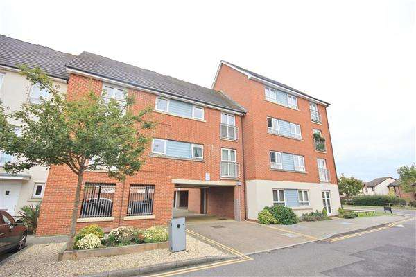2 Bedrooms Apartment Flat for sale in Newfoundland Drive, Poole