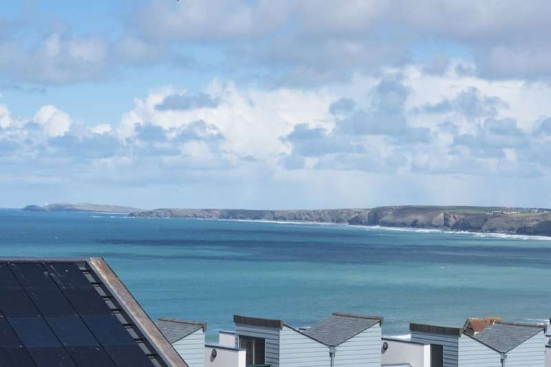 3 Bedrooms Flat for sale in The Trevose, Seaquest Mount Wise, Newquay, TR7